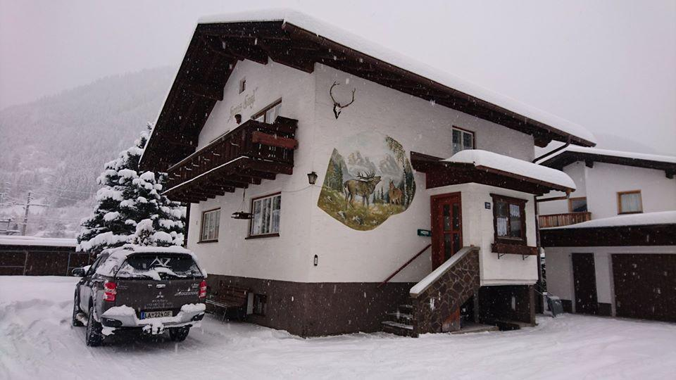 ski instuctor house haus